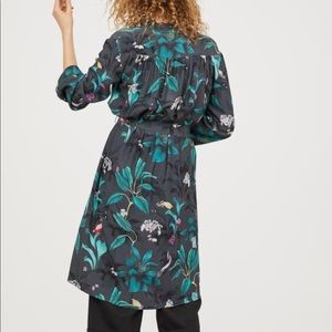 ANNA GLOVER x H&M. Kimono in a floral pattern